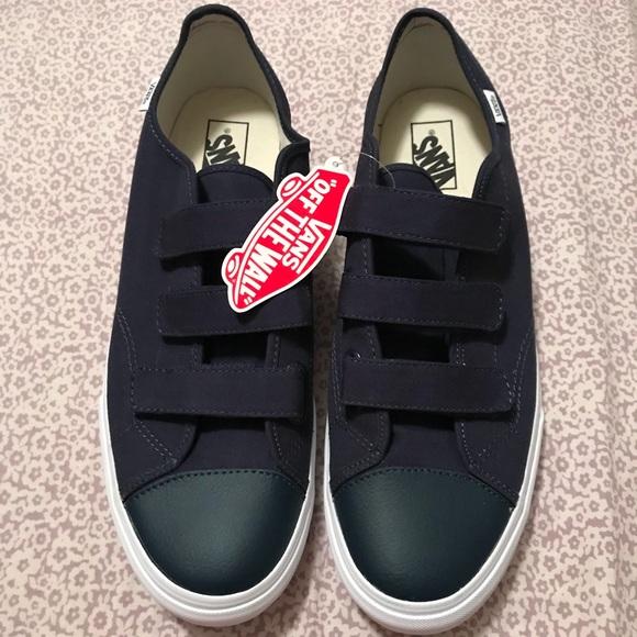 51a5d16a3fbc VANS Prison Issue size 13 navy blue 23V shoes