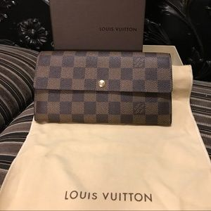 Authentic Louis Vuitton Damier Ebene Wallet
