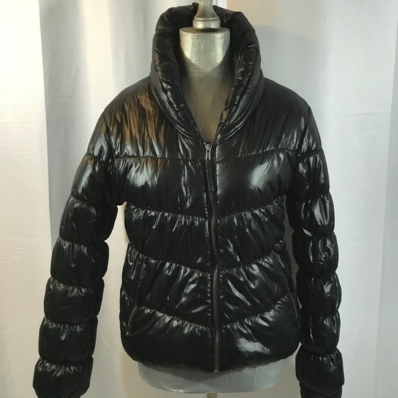 c55ebd2fdc6e H M Jackets   Blazers - 🎉NEW BLACK BUBBLE H M DIVIDED PUFFY ...