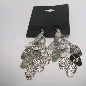 Skeleton dangle earrings  PM#2 🇺🇸 5 for 25🇺🇸