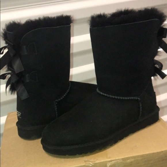 3ee844206fc Black Bailey Bow uggs size 8!