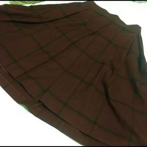 EUC Banana Republic burgundy plaid pleated skirt