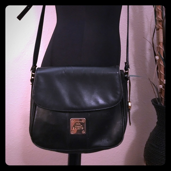 14d5d2a8a7 HCL Leathergoods Handbags - ✨Auth. HCL Leather Crossbody Purse👜✨