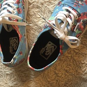 Vans Shoes - CHRISTMAS SALE! Limited Edition Star Wars Vans 89f461a49
