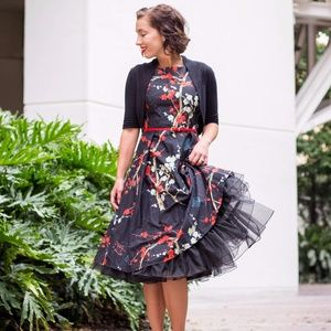Dresses & Skirts - Round Neck Sleeveless Floral Printed Skater Dress