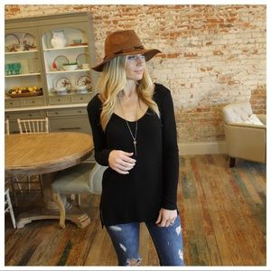 Tops - Black super soft long sleeve ribbed knit tunic