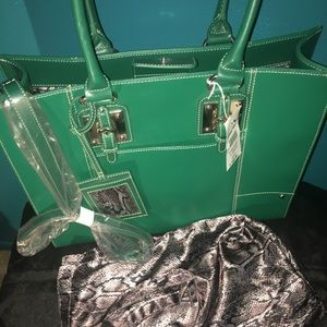 WILSONS ALL IN ONE TOTE💋💋💋💋💕💕💕13Hx16Wx16