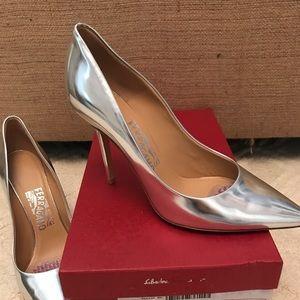 Ferragamo metallic heel