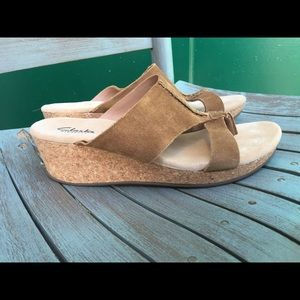 Women's Clarks Tan Suede Wedge Sandals Size 9M