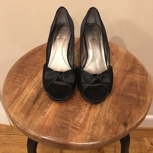Kenneth Cole Satin Dress Pumps