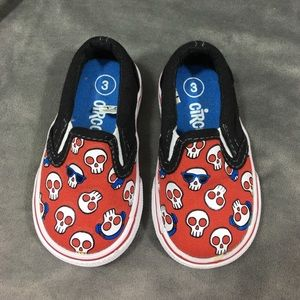 Skull tennis shoes
