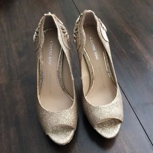 Gianni Bini gold peep toe pumps worn only once