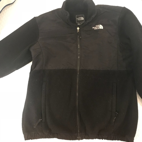 Kids (can fit women s) black north face jacket. M 5a0efdc8d14d7bbc98031e42 690d672c1