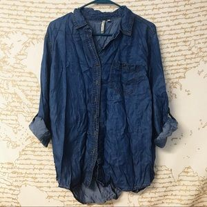 Tops - Chambray button-up top