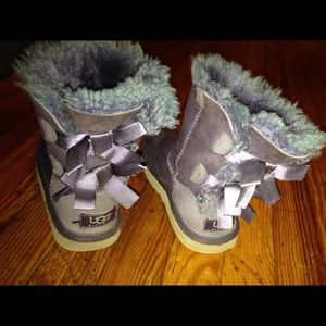 Kids uggs size 1