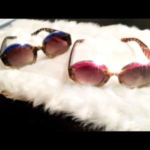 Circle blue and leopard frames