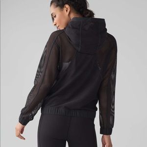 Lululemon mesh on mesh jacket blk 2 NWOT