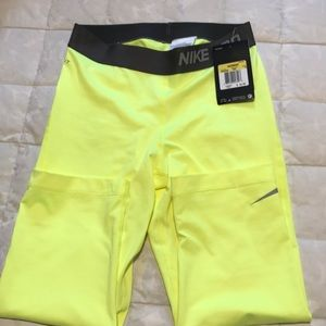Nike dri-fit leggings brand new size small