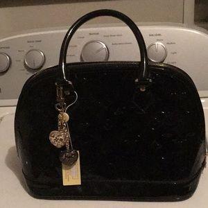 Handbags - Black shinny dinner bag w charm