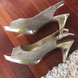 Bandolino gold peep toe sling back heels size 9.5M