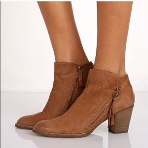 Dolce Vita Boots for @runmom50