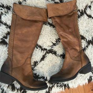 Vince Camuto bollo boots