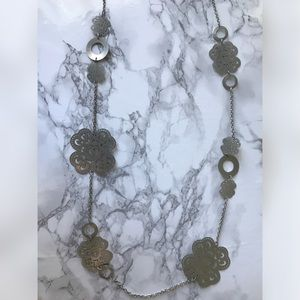NWOT Silver Colleen Necklace