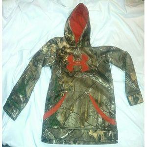 Youth L Under Armor camo sweatshirt