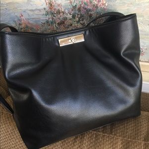 APT.9 Handbag Black