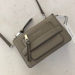 Marc Jacobs Crossbody Clutch in Cement