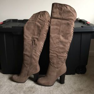 Over the knee tan/brown heeled boots size 10
