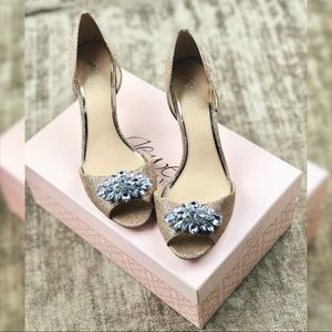 """Badgely Mischka """"Hays"""" Jewel Line gold heels 7.5"""