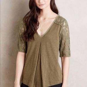 Meadow rue brushed lace top in green. Size Small