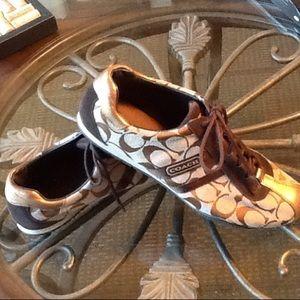 COACH sz 10 women fashion leather Kate sneakers
