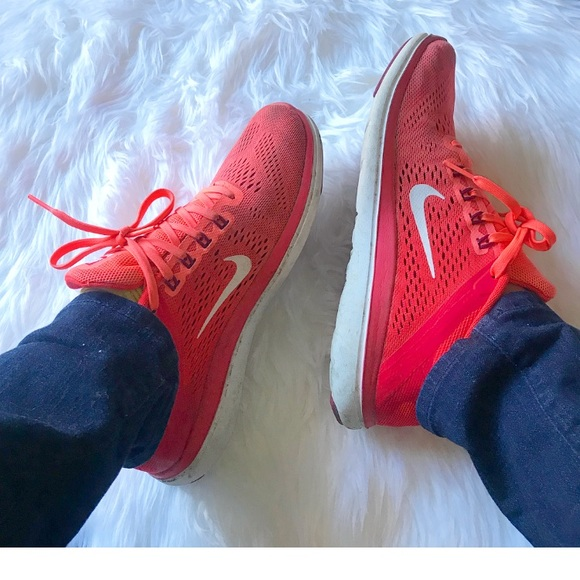 size 40 35b44 2801a Nike flex hot pink salmon colored sneakers size 8.  M 5a0f271cf739bcb7aa03bbcd