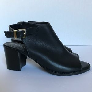 Kenneth Cole along back booties