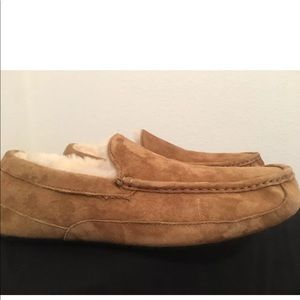 NeW UGG ASCOT Chestnut Suede Moccasin Slippers