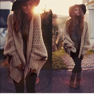 Sweaters - Restocked! Must have Boho chic oversized cardigan