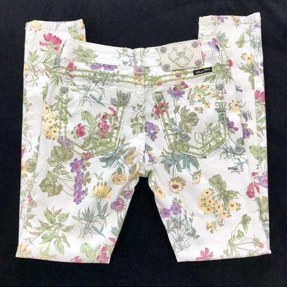 ecf31a128ea Miss Me Ankle Skinny in Botanical Garden. M 5a0f335e7fab3a4a1700010e. Other  Jeans ...
