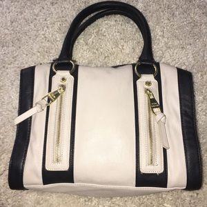 ☃️ Steve Madden Handbag ☃️