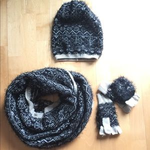 Winter hat scarf & gloves sets