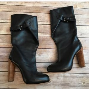 EUC. No markings on leather. Size 6.5. Boutique 9