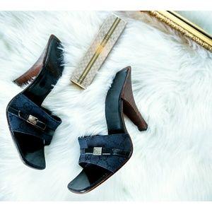 GUCCI Vintage Black Italian Sandals Wooden Heels