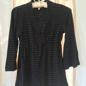 Ella Moss S gray and black shirt