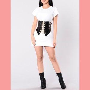 High waisted corset! 🖤