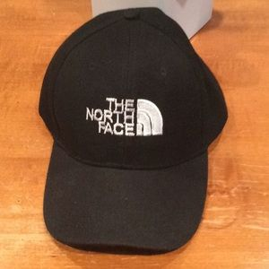 "AUTHENTIC, NWOT ""THE NORTH FACE"" BASEBALL CAP"