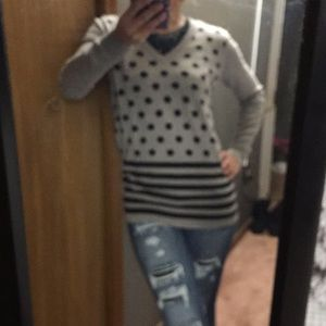 Vneck gray polka dot Ann Taylor sweater
