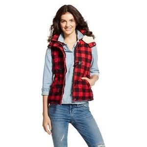 Women's Red Plaid Flannel Puffer Vest