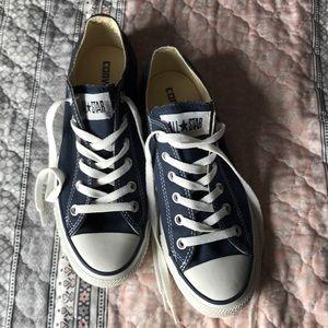 BRAND NEW dark blue converse shoes