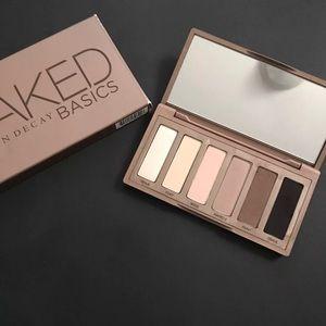 Naked basic palette